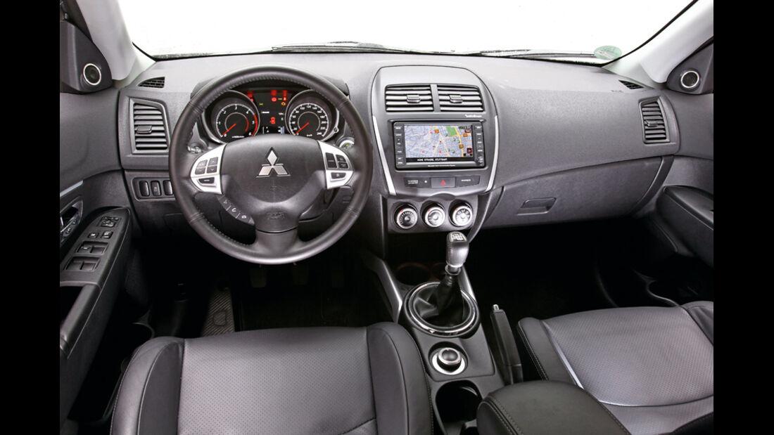 Mitsubishi ASX 1.8 DI-D 4WD, Cockpit