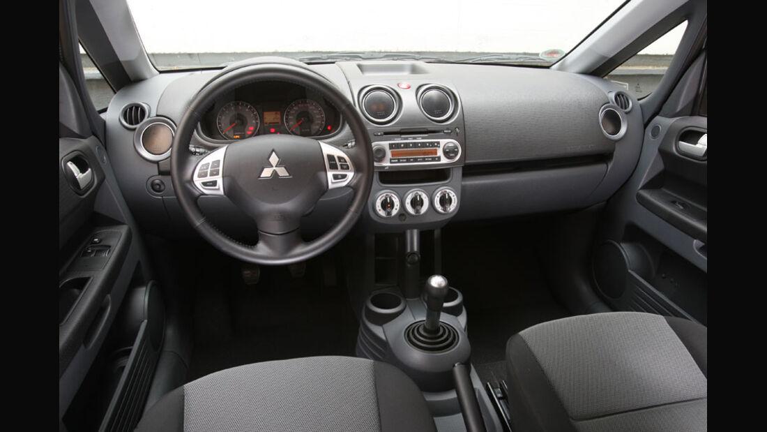 Mitsubishi Colt 1.3, Cockpit