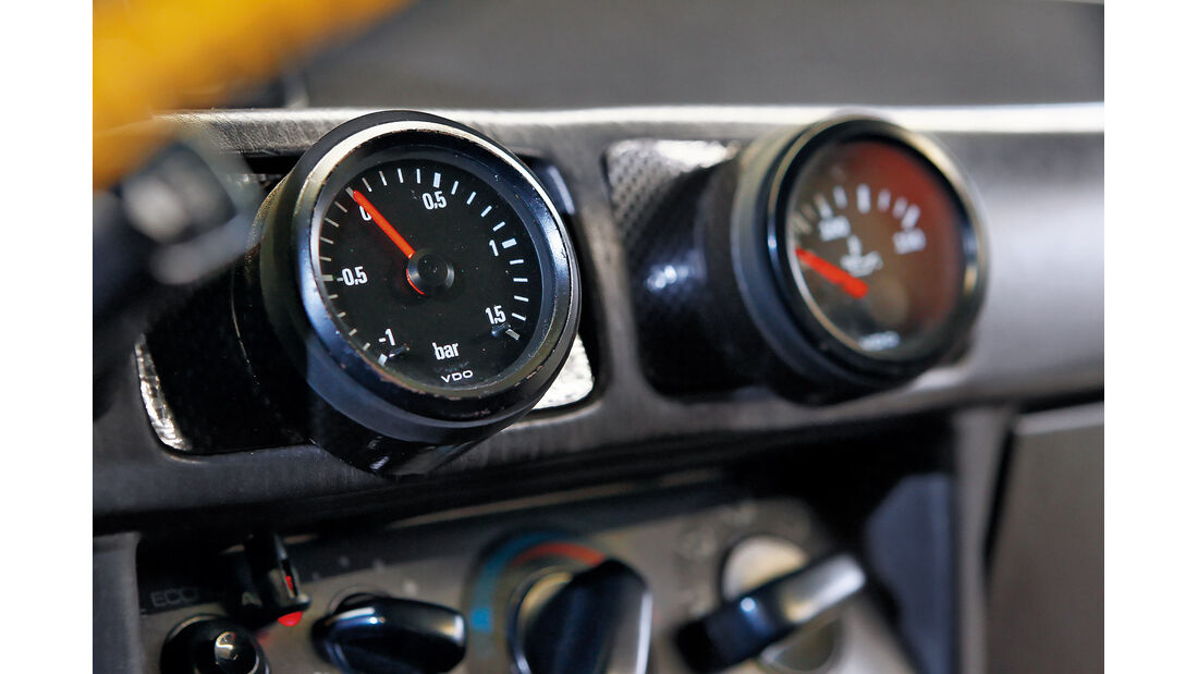 Mitsubishi Lancer 2000 Turbo ECI, Ladedruckanzeige