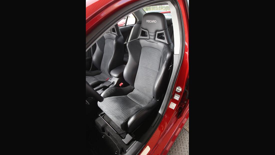 Mitsubishi Lancer Evo, Fahrersitz