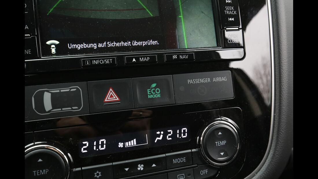 Mitsubishi Outlander 2.2 DI-D 4WD Details