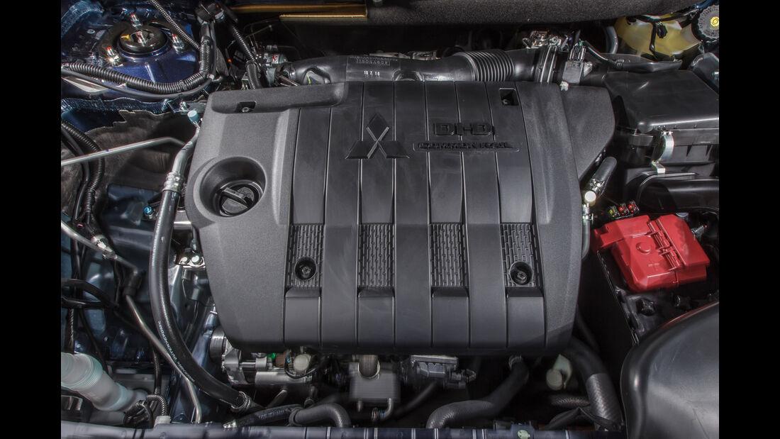 Mitsubishi Outlander 2.2 Di-D 4WD, Motor