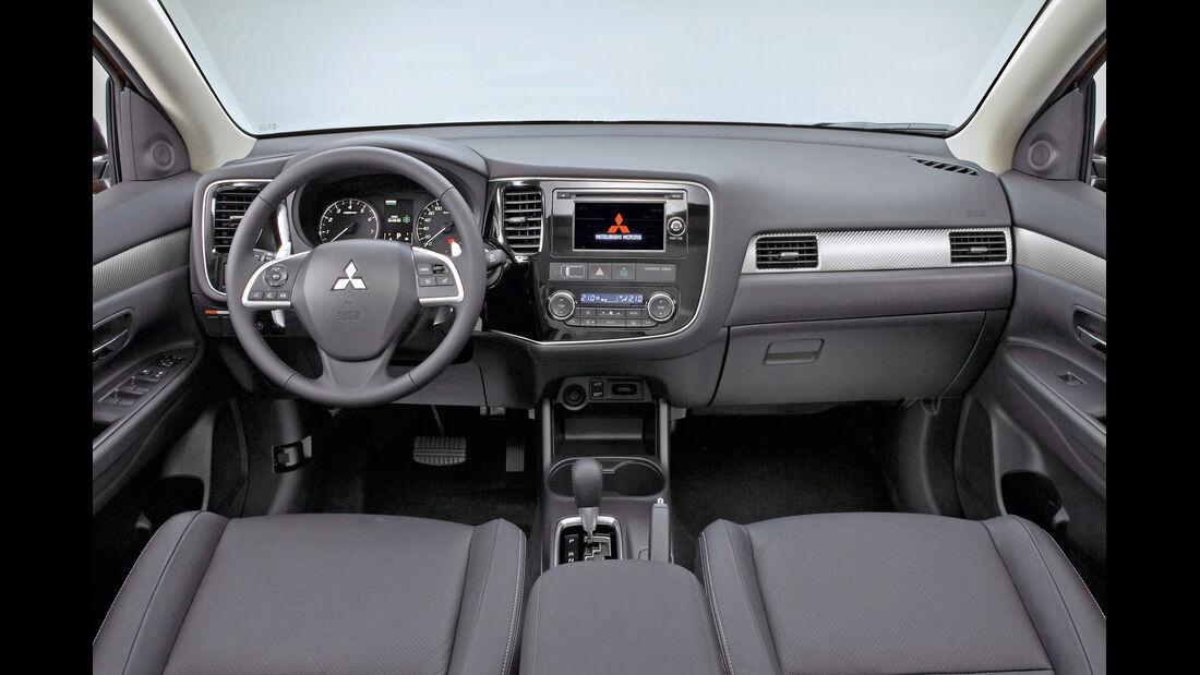Mitsubishi Outlander, Cockpit
