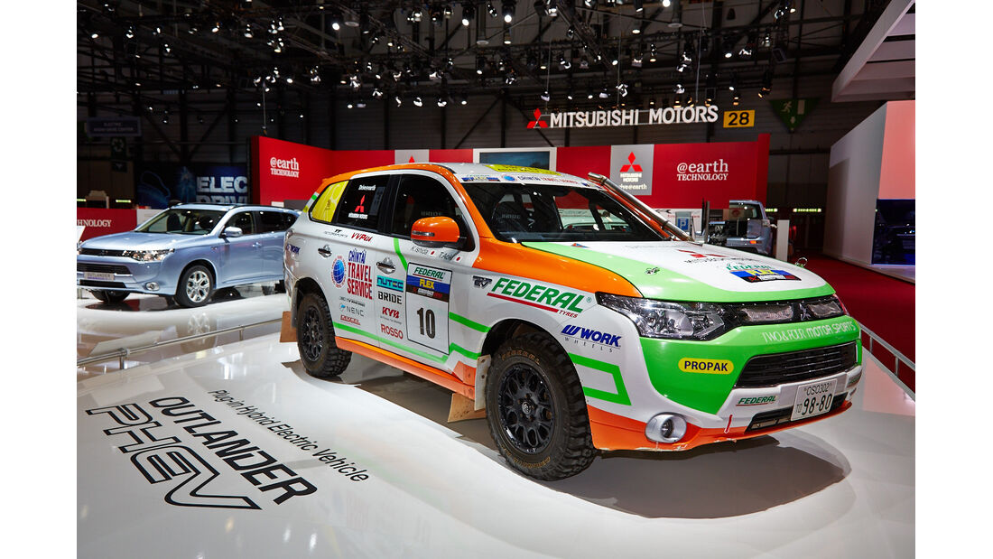 Mitsubishi Outlander PHEV - Autosalon Genf 2014