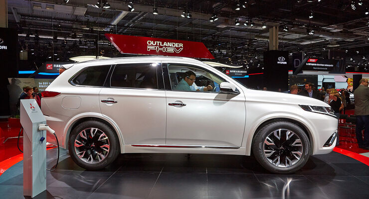 mitsubishi outlander phev concept s in paris 2014 neue. Black Bedroom Furniture Sets. Home Design Ideas