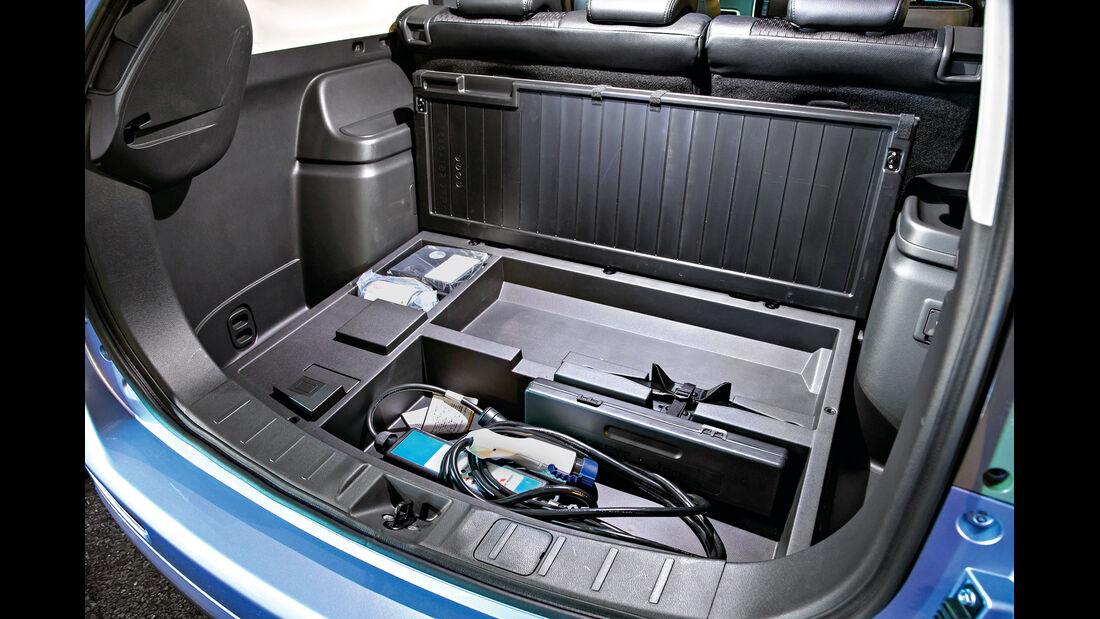 Mitsubishi Outlander PHEV, Kofferraum, Ladekabel