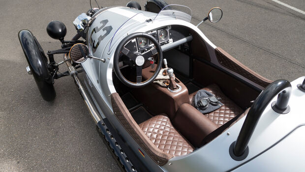 Morgan 3 Wheeler, Cockpit