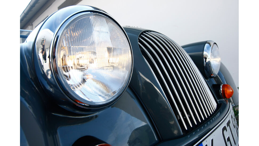 Morgan 4/4 Competition von 2010, Licht, Motorhaube
