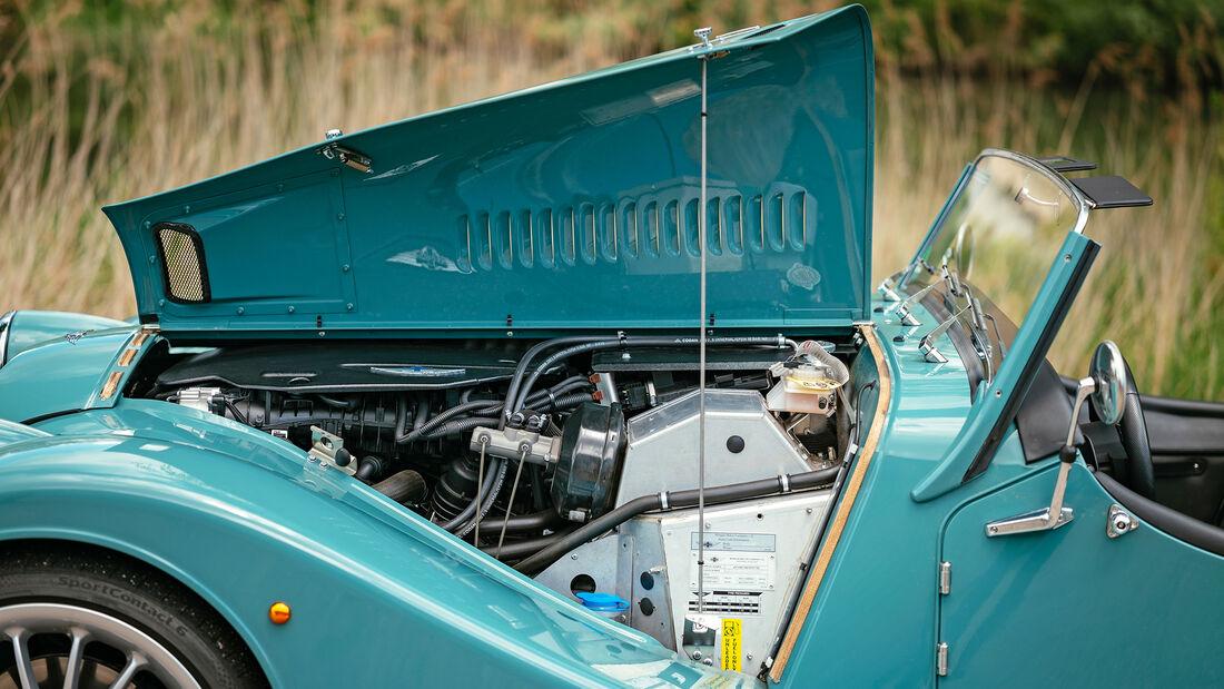 Morgan Plus Six, Motor