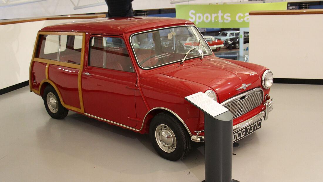 Morris Mini Traveller Mk1 im British Motor Museum
