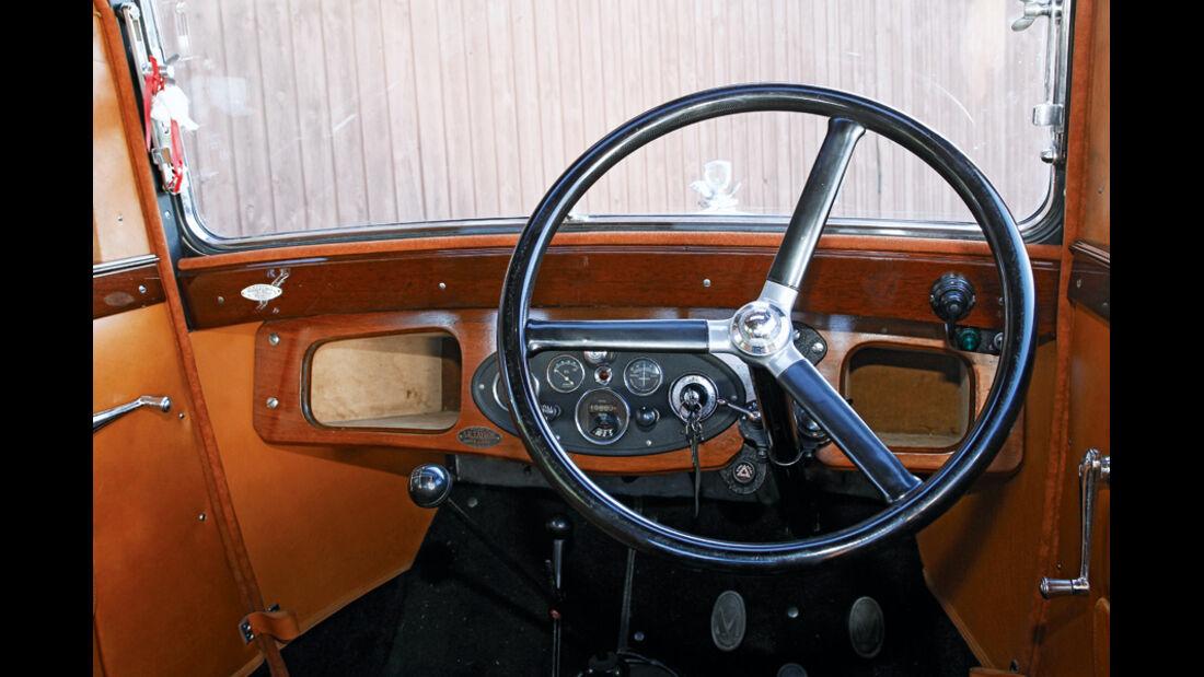 Morris Minor Saloon, Cockpit, Detail