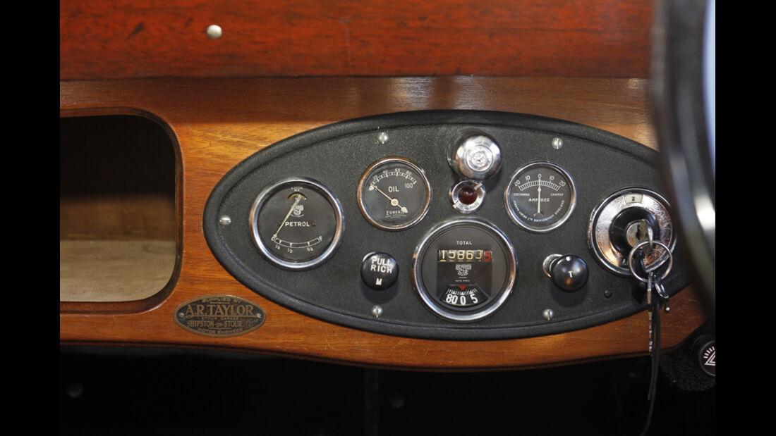 Morris Minor Saloon, Instrumententafel, Zündung, Detail