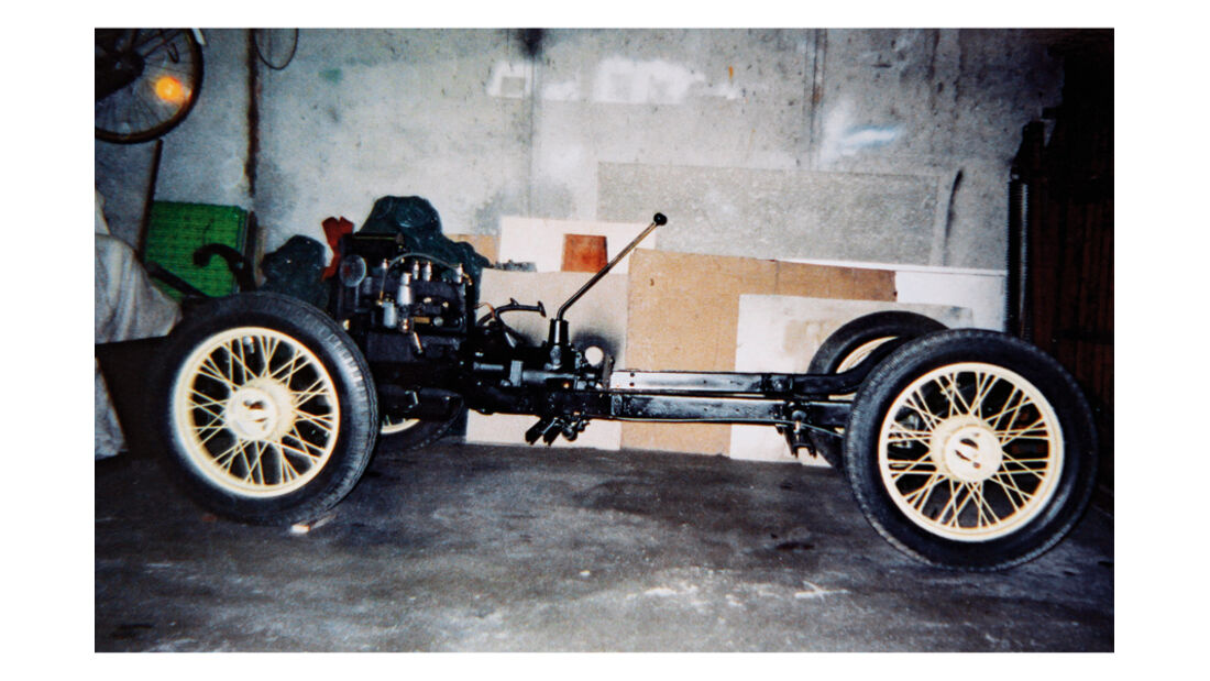 Morris Minor Saloon, Restaurierung des Chassis, Detail