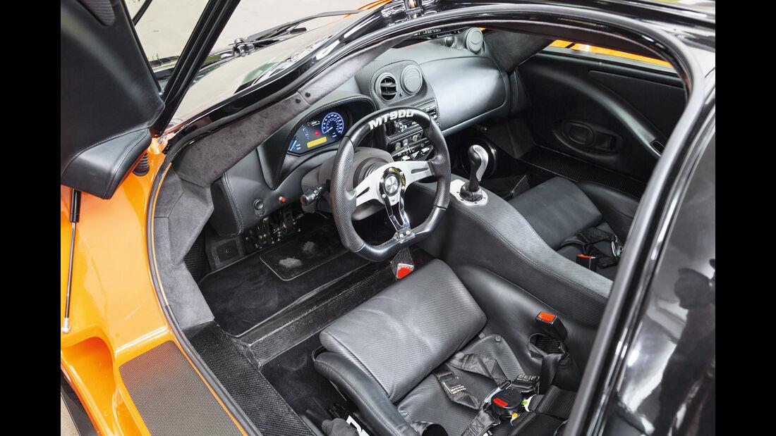 Mosler MT900, Cockpit