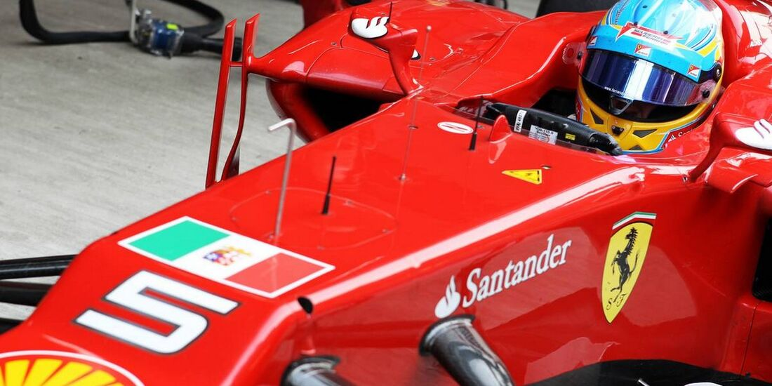 Motor Racing - Formula One World Championship - Indian Grand Prix - Practice Day - New Delhi, India