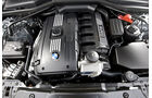 Motor eines BMW 530i Touring