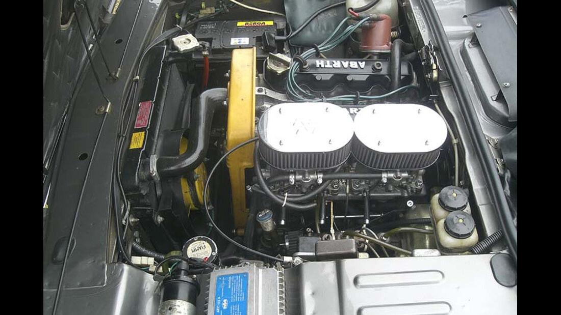 Motor eines Fiat 124 Sport Coupé von 1973