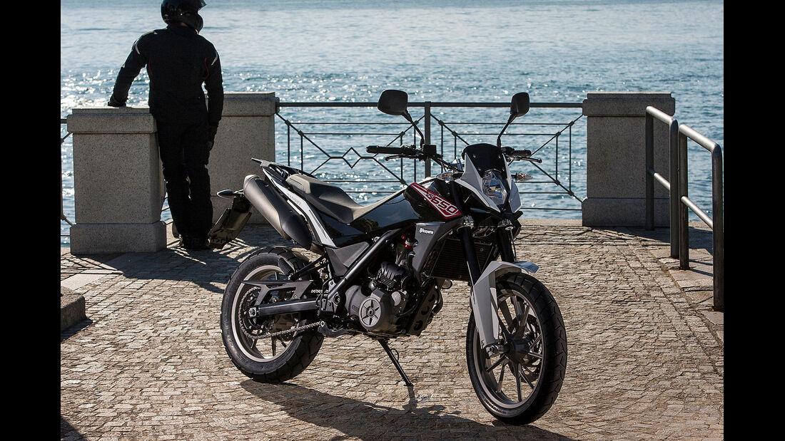 Motorrad 48 PS Husqvarna TR 650 Strada