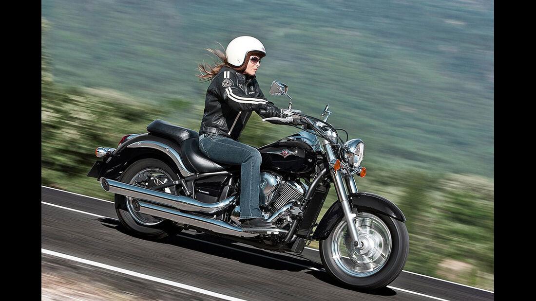 Motorrad 48 PS Kawasaki VN 900 Classic