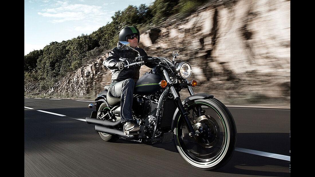 Motorrad 48 PS Kawasaki VN 900 Custom