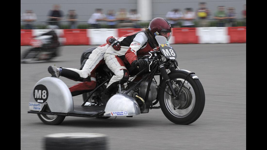 Motorrad-Gespann auf der Klassikwelt Bodensee