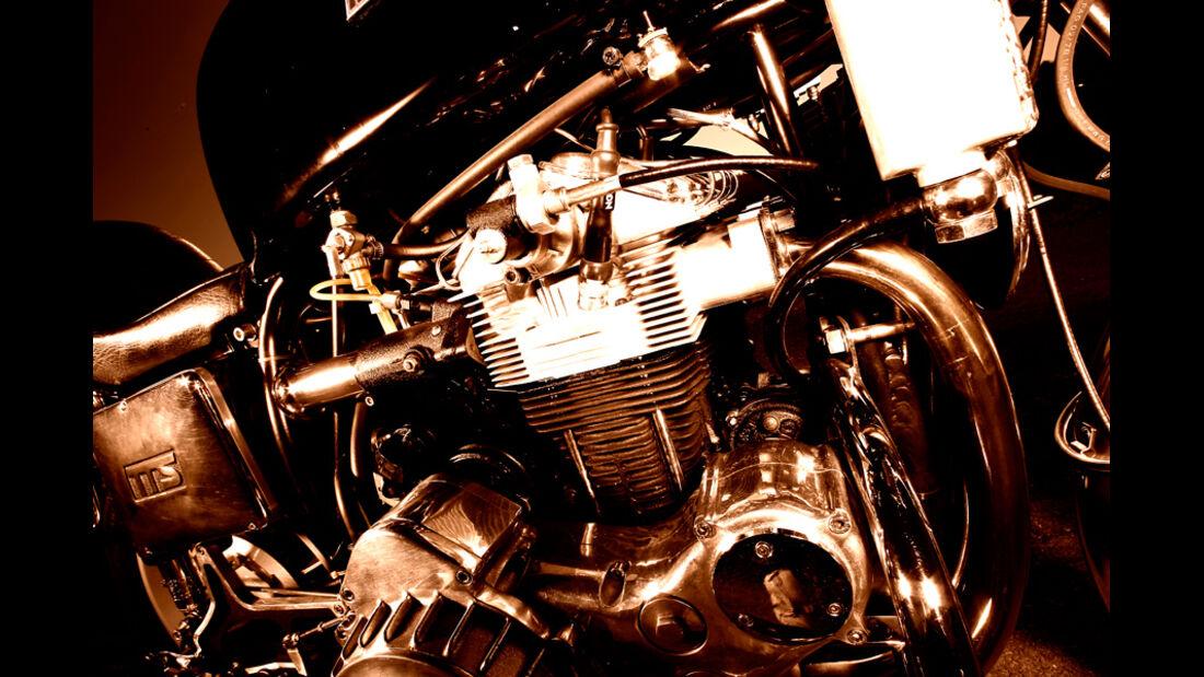 Münch-4 TTS/E 1200, Motor