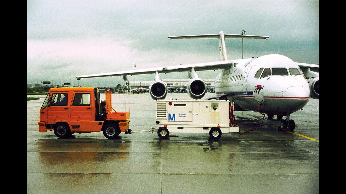 Multicar, Flugfeldschlepper