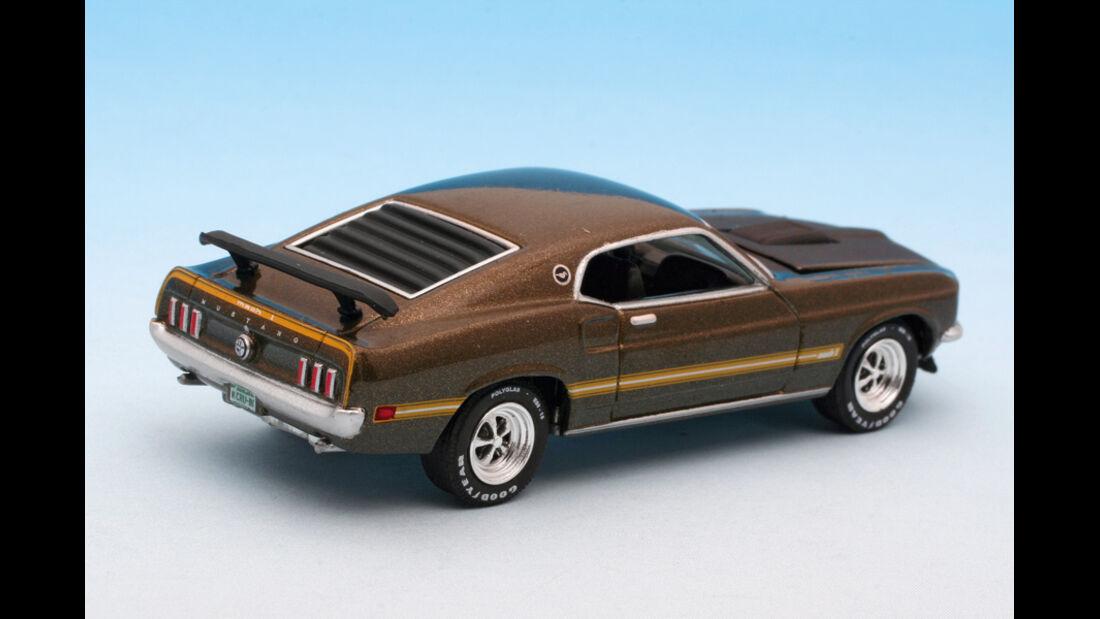Mustang Mach I im Maßstab 1:64