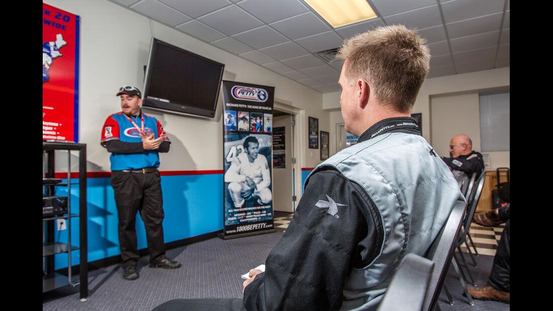 NASCAR, René Olma, Einweisung