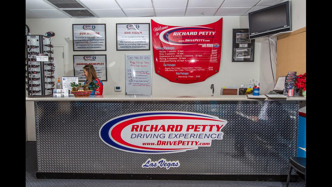 NASCAR, Richard Petty, Theke