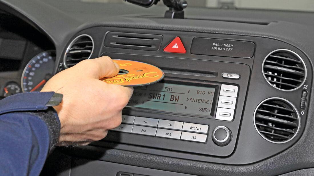 Navigationsradio einbauen, VW-Radio RCD 300