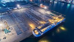 Neuwagen, Autotransporter, Hafen, neue Autos, Export, Auto-Absatz