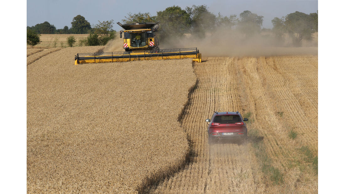 New Holland Agriculture, Jeep Cherokee, Fahrbericht