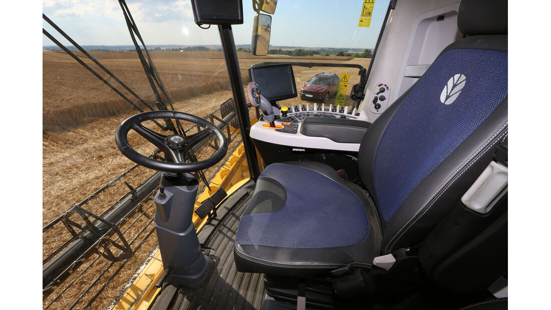 New Holland Agriculture, Jeep Cherokee, Fahrbericht, New Holland Agriculture, Interieur