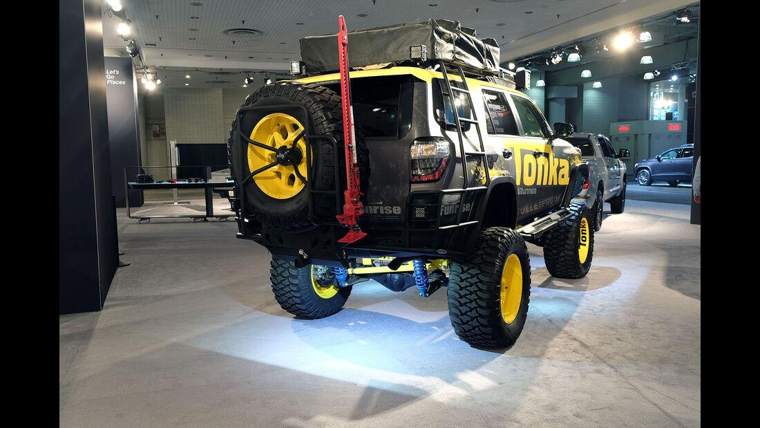 New York Auto Show 2036