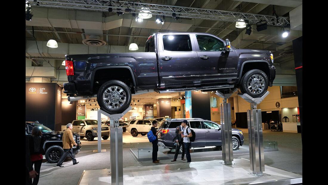 New York Auto Show 2045