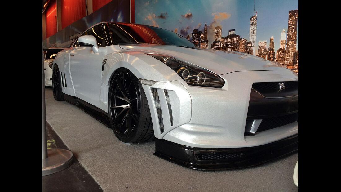 New York Auto Show 2075