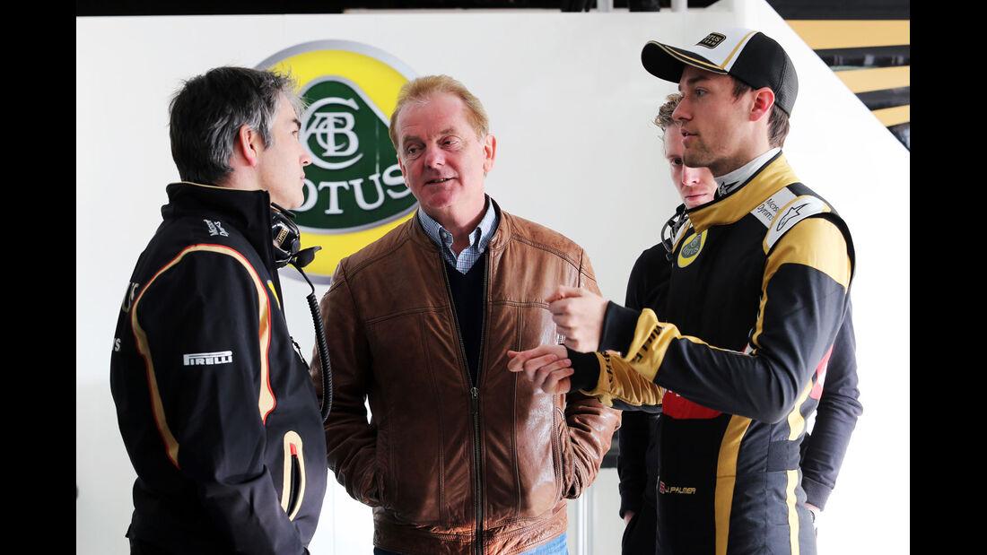 Nick Chester - Jonathan Palmer - Jolyon Palmer - Lotus- Formel 1-Test - Barcelona - 20. Februar 2015