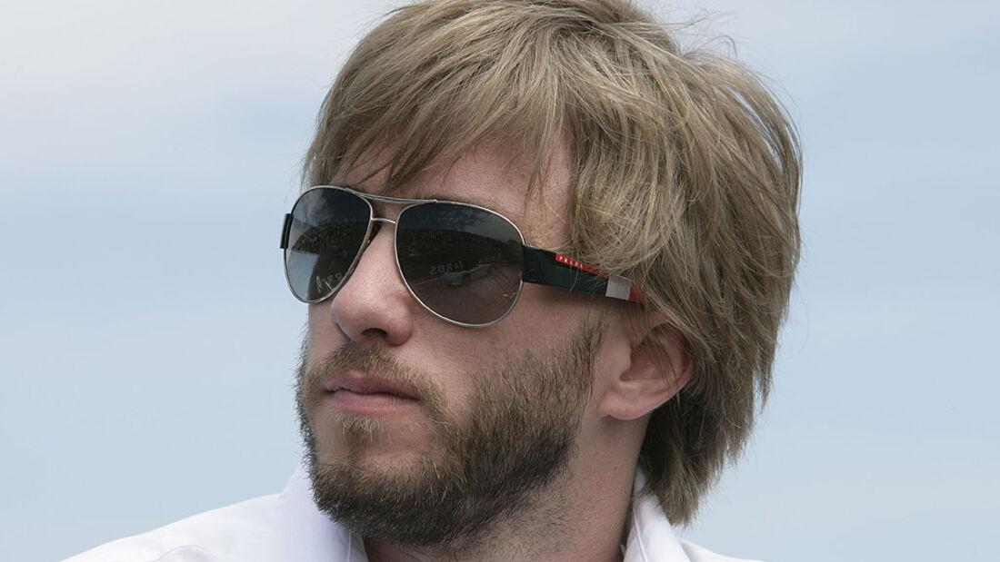 Nick Heidfeld mit Sonnenbrille