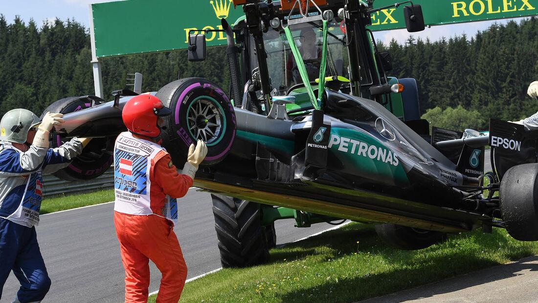 Nico Rosberg - Crash - Mercedes - Formel 1 - GP Österreich - 2. Juli 2016