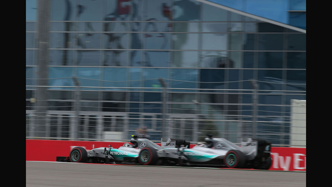 Nico Rosberg - Lewis Hamilton - Mercedes - GP Russland 2015 - Sochi - Rennen