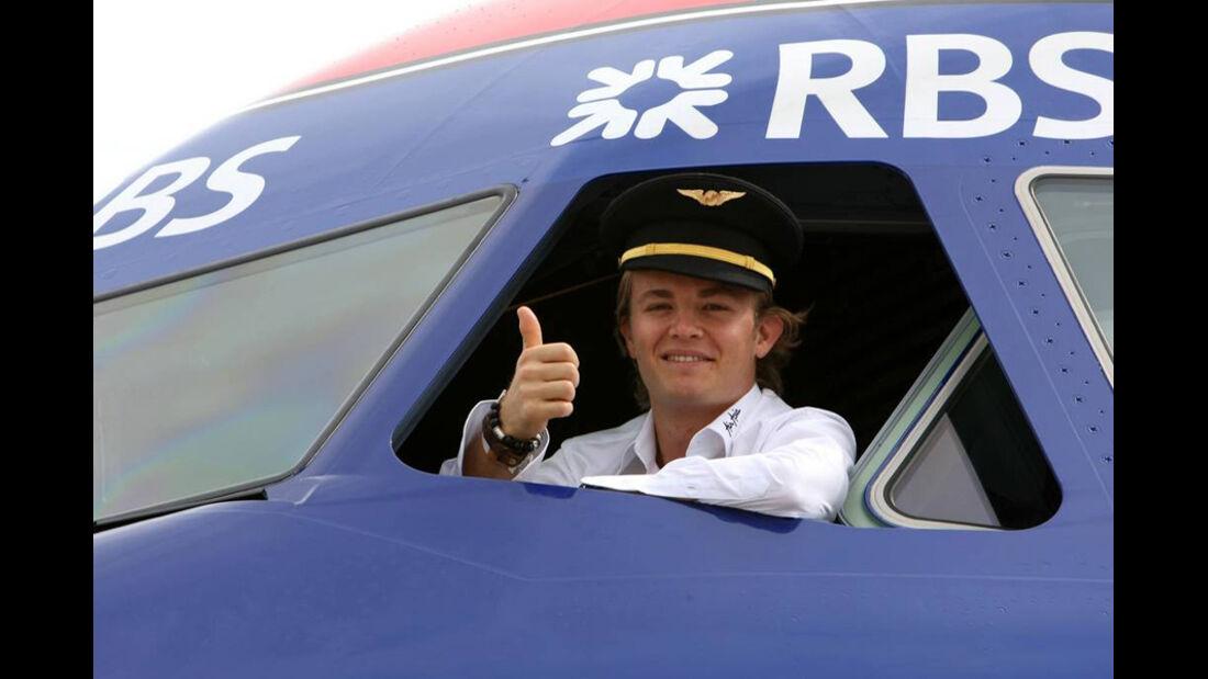 Nico Rosberg als Flug-Kapitän