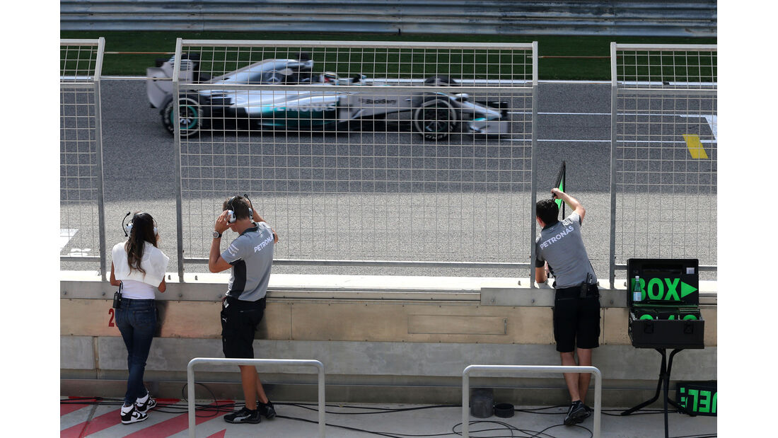 Nicole Scherzinger - Formel 1 - Test - GP Bahrain - 9. April 2014