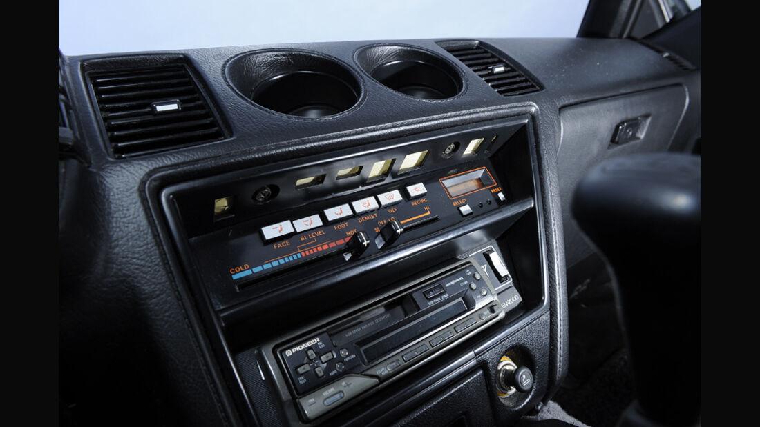Nissan 300 ZX, Typ Z31, Baujahr 1986, Mittelkonsole