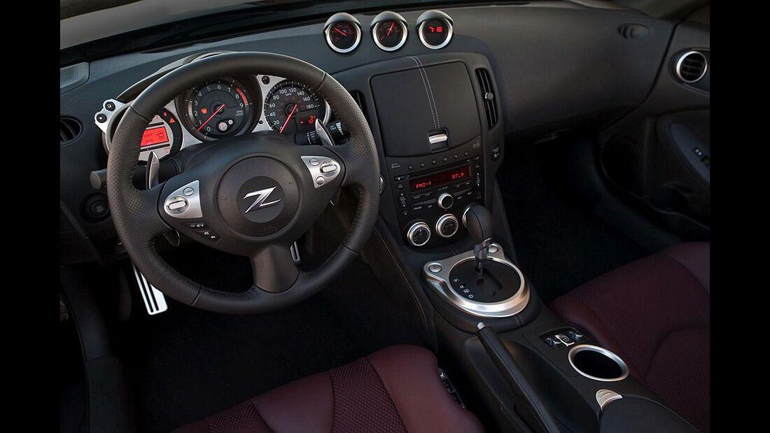 Nissan 370 Roadster