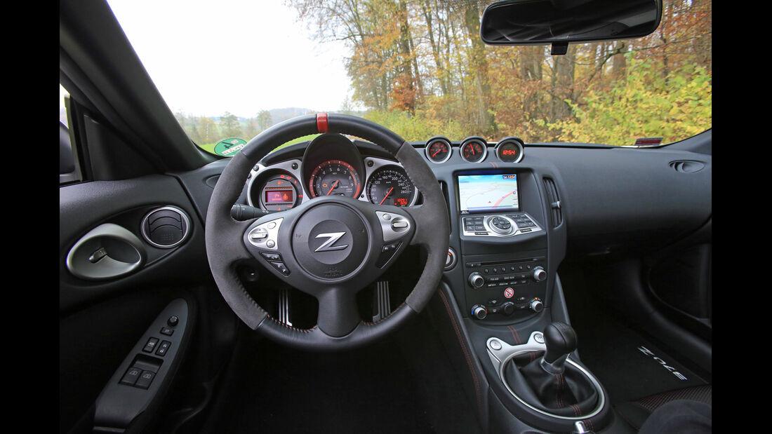Nissan 370 Z Nismo, Cockpit, Lenkrad
