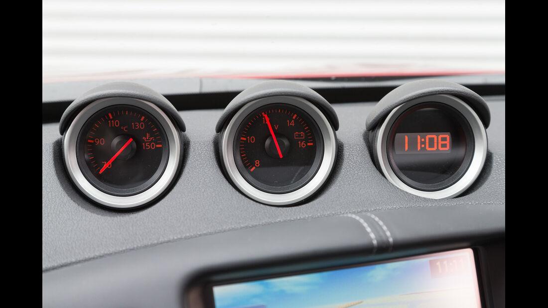 Nissan 370Z, Anzeigeinstrumente
