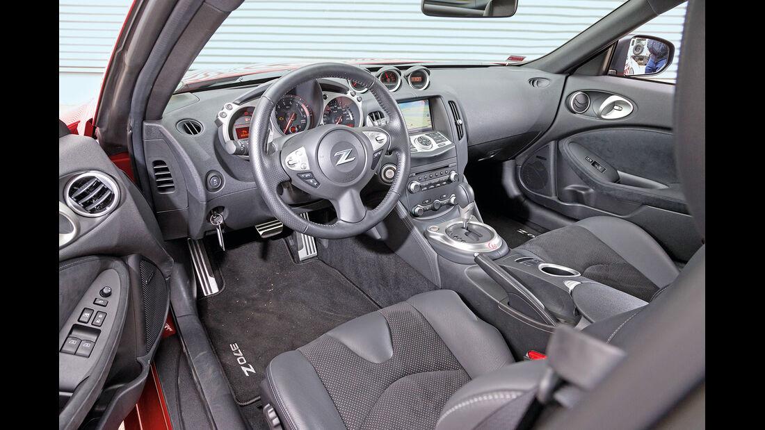 Nissan 370Z, Cockpit