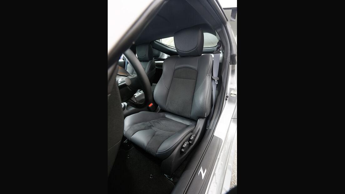 Nissan 370Z, Fahrersitz