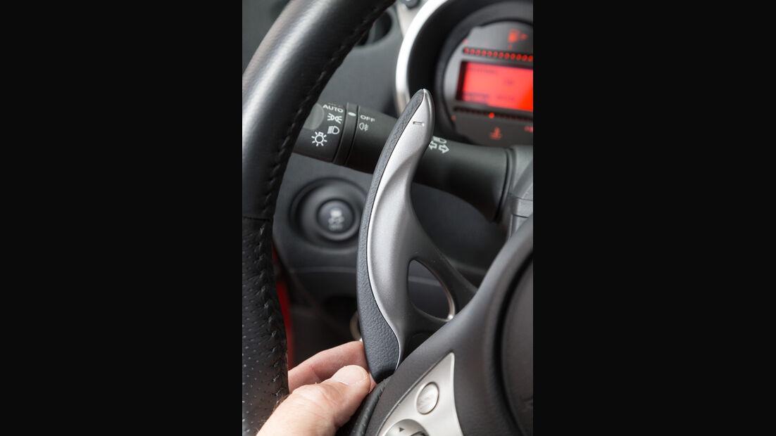 Nissan 370Z, Lenkradhebel